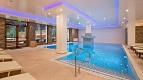 Indoor swimming pool © Teleferic Grand Hotel